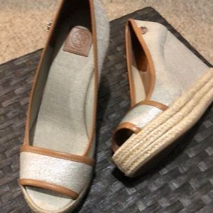 torey burch wedge peep toe shoe